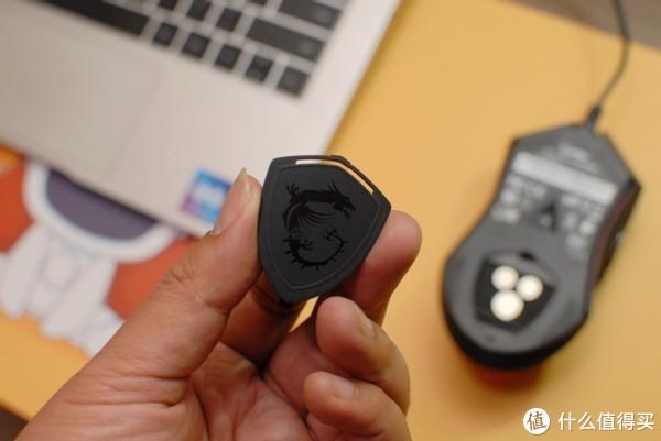 一线大厂推新品百元电竞鼠标,网友:还有配重模组?太会玩了