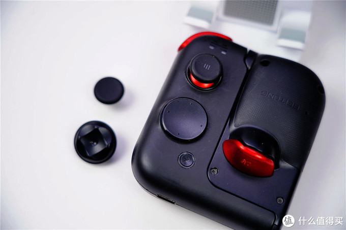 玩手游吃力?你可以考虑选择入手北通G2+电竞指套。