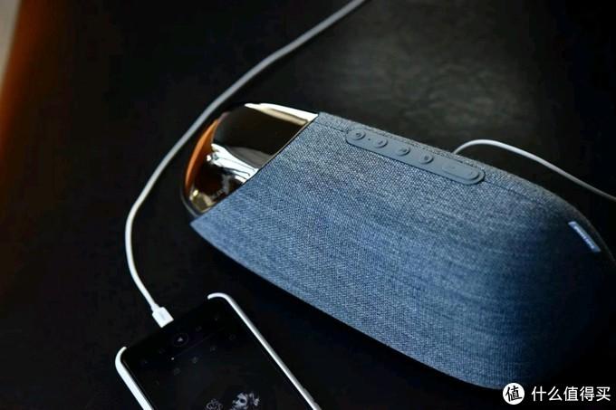 用奢侈品联名款音箱听歌是什么体验?飞利浦JS50蓝牙音箱评测