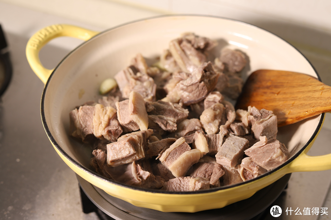 抄作业:广东小伙伴的年菜——萝卜牛腩怎么做?