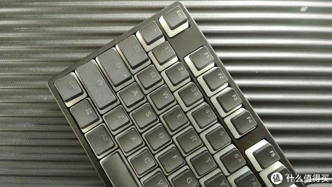 颜值不够,RGB来凑!百元最强真RGB机械键盘?—首席玩家DK5.0
