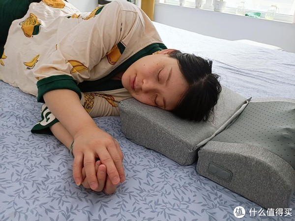 「枕眠+按摩」锐珀尔睡眠智能多功能按摩枕