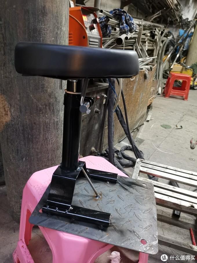 雅迪欧睿再次加装(儿童座椅, T6尾转弯灯,点焊21700锂电池等)