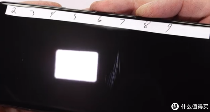 三星Galaxy S21 Ultra耐用性测试,机身坚固,45秒火烧留斑痕