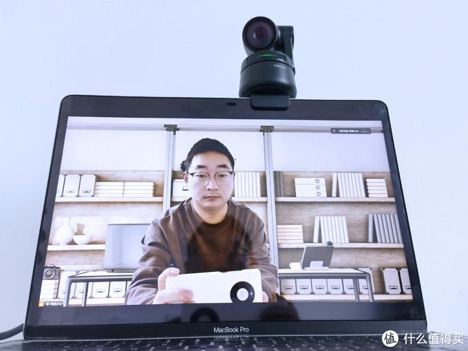 寻影Tiny AI视讯摄像头2X拍摄