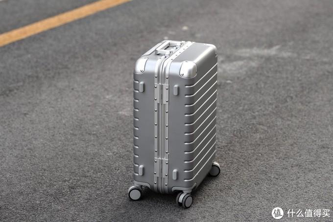 超轻耐用!小米有品推出悠启铝框旅行箱,20寸轻便出行