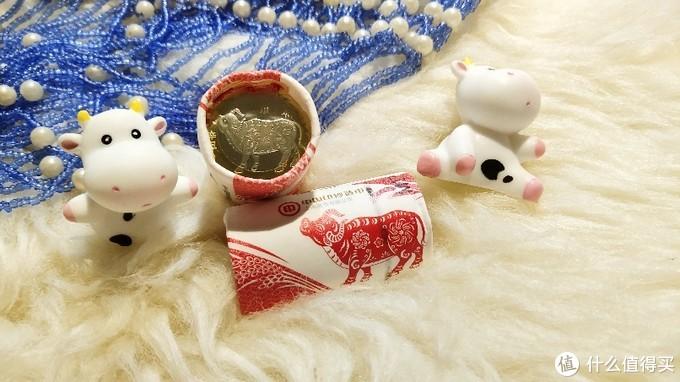 牛年纪念币 vs 12年前的金币,还有猪币、鸡币、狗币……