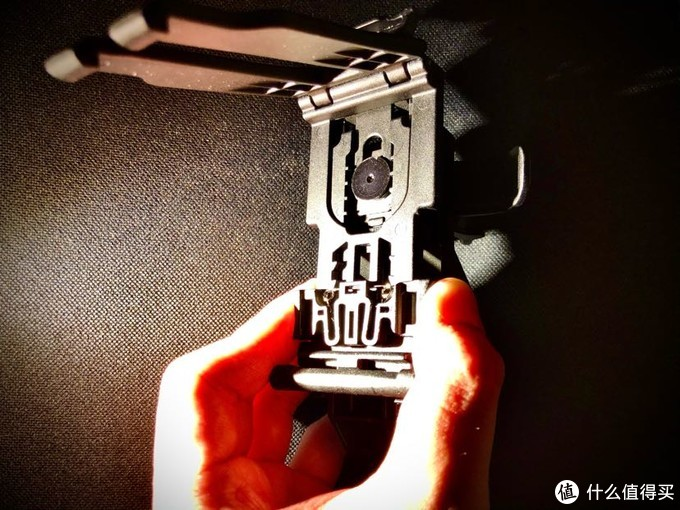 这也是中国市面上能买到最好的手电快拔套——纳丽德v51快拔套