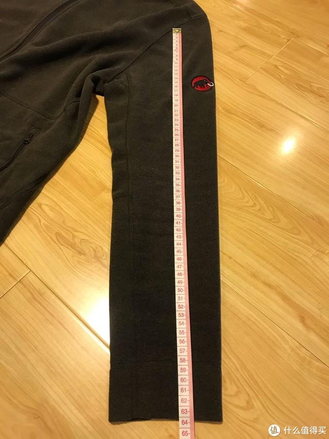 袖长63,对亚洲体型比较友好,没有其他品牌那么长