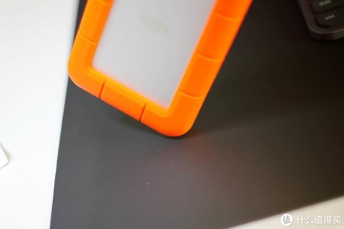 颜值和耐用性并重,旅行拍摄的好伙伴 - LaCie Rugged USB-C 三防移动硬盘