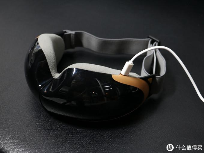 both可视护眼仪支持恒温热敷,按摩眼睛的同时不耽误看微信