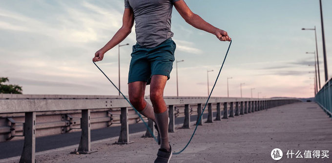 年货采购宅家健身器材销量猛增,跳绳、拉力器、哑铃成最爱,春节装备你准备好了吗?