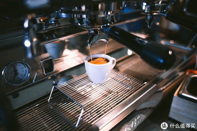 如何让家中有间咖啡馆,2021年春节年货季家用全自动咖啡机选购指南