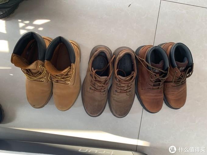 大黄靴的做工要好很多,侧面颜值更胜一筹