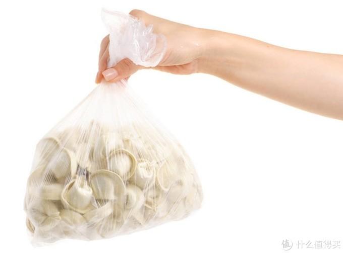 包好的饺子不要直接放冰箱,这样做饺子不粘,和新鲜的一样