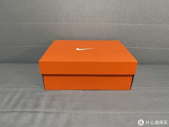 过年给小朋友买双鸳鸯颜色的Nike Team Hustle D 9