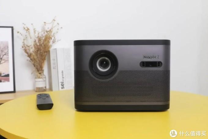 当贝F3投影系统再更新 遥控器可调外接功放 支持无线麦克风