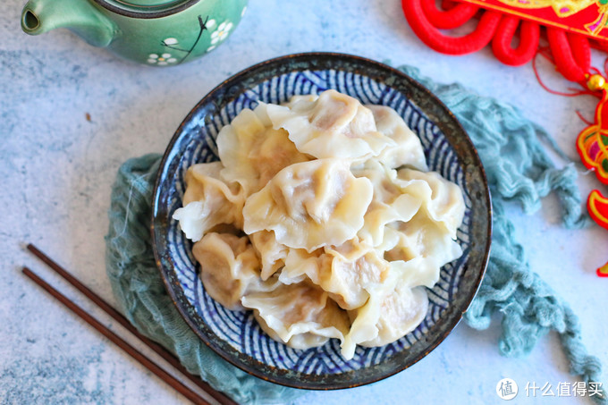 过年吃饺子,荤素搭配更健康,鲜嫩多汁营养高,团聚一堂幸福美满
