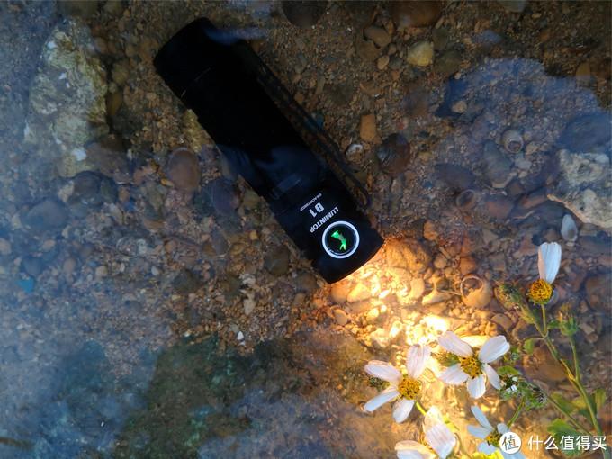 雷明兔D1手电---一款操作简单的新年祝福产品