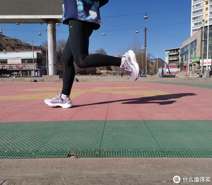 迎岚而动,自有跑调--李宁2021岚跑鞋测评