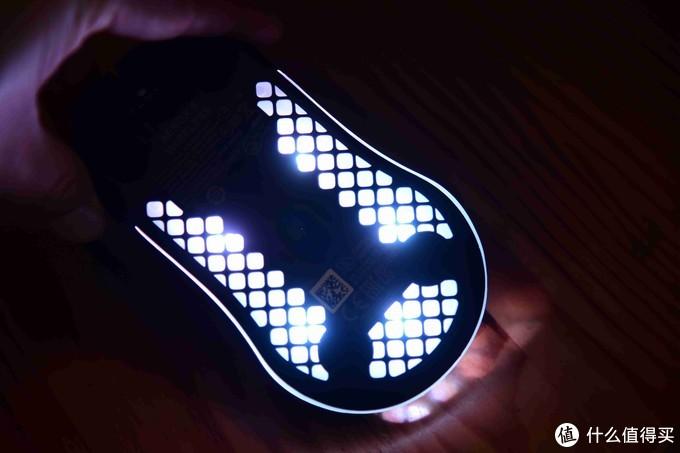 过年宅游戏,专治硫酸手!—赛睿AEROX 3 WIRELESS无线鼠标评测