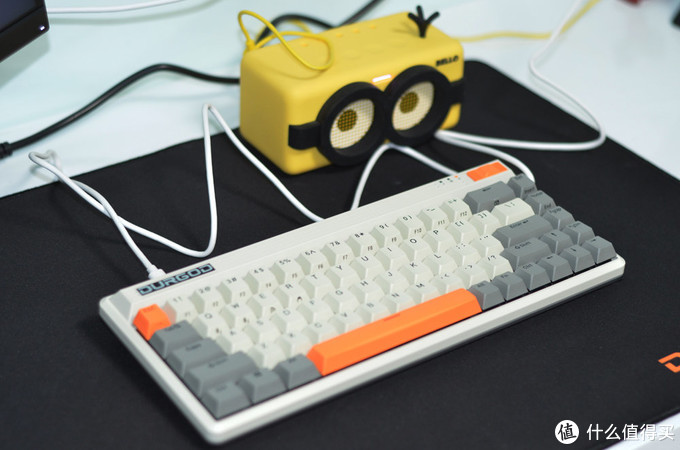 复古元素,三模支撑:DURGOD 杜伽 FUSION 静音红轴键盘