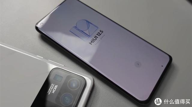 小米11 Ultra真机曝光:双屏+全新相机模组,值得期待一下