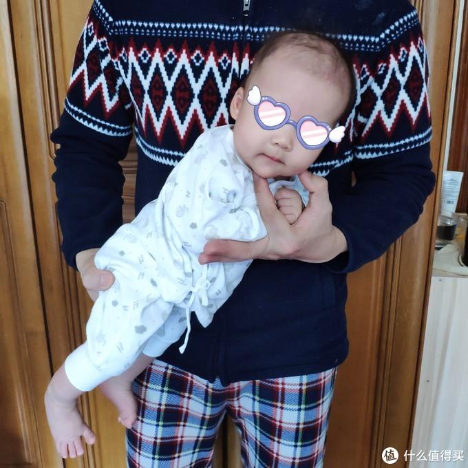 苦恼新生儿哭闹,不能安心过年?可以试试此方法,五秒止哭,自家高需求宝宝亲测有效