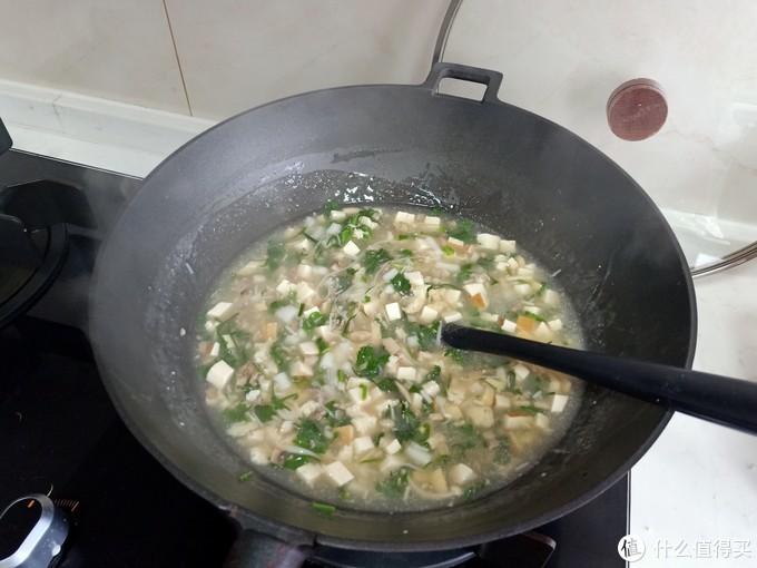 春天野菜香,随手一煮鲜掉毛,好吃还刮油,馋的网友口水流