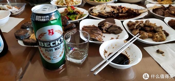 同是贝克啤酒,国产会比不莱梅产有惊艳?我只能说,你想的太多了~