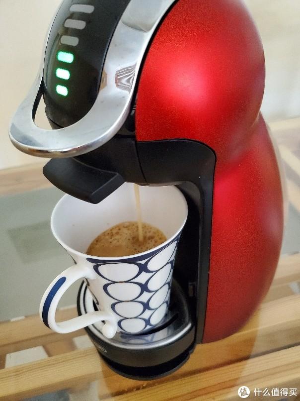 多趣酷思美式醇香黑咖啡胶囊饮用体验