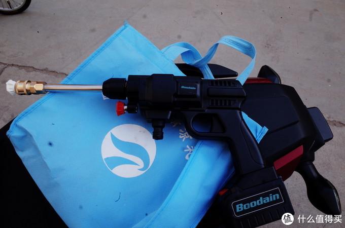 枪的外形外加两个喷嘴,这里我说一下牌子不重要,为什么呢?