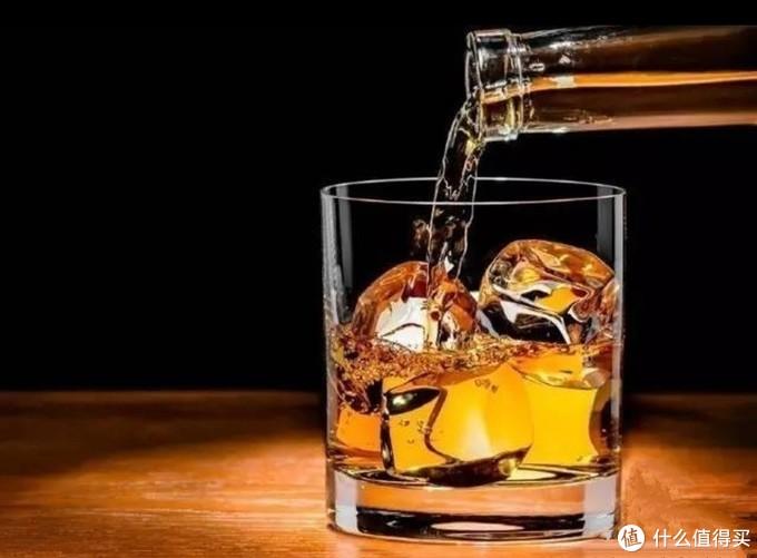 威士忌、白兰地、朗姆酒到底有啥区别?别再傻傻分不清了(建议收藏)