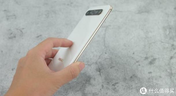 """被称为""""中国版苹果"""",5G旗舰销量平平,却拿下19个行业大奖"""
