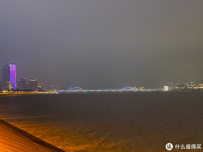 坐地铁游杭州(二):钱塘江夜景/1号线江陵路站