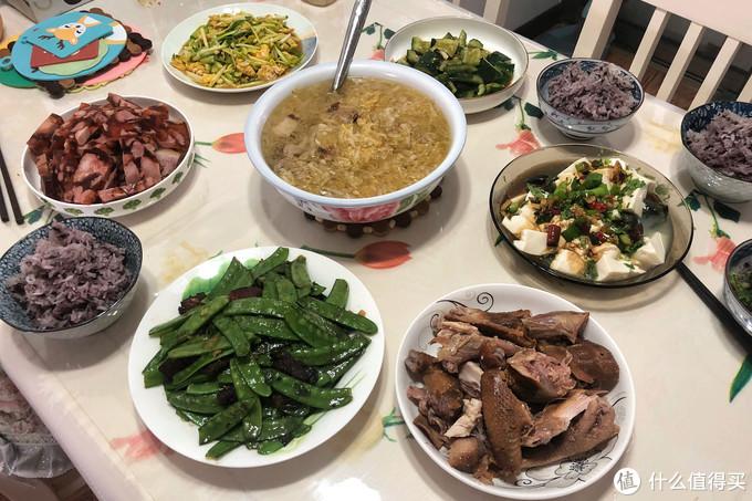 大年初五去妹妹家蹭饭,没有大鱼大肉但吃着舒坦,网友:太寒酸了