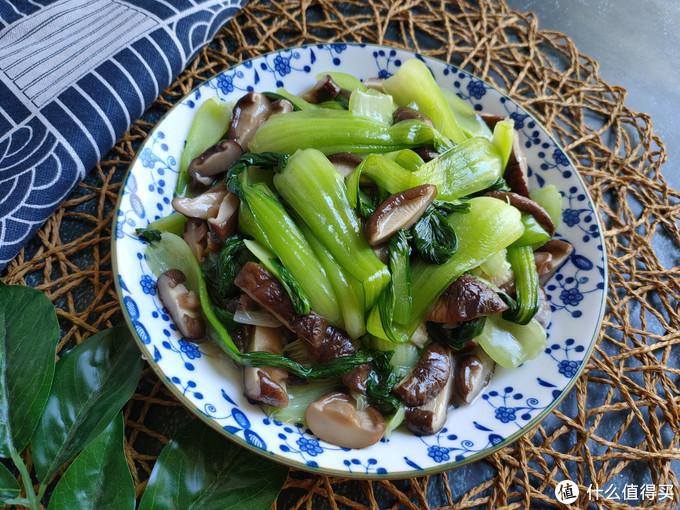 掌握几个技巧炒青菜,脆爽入味不出水
