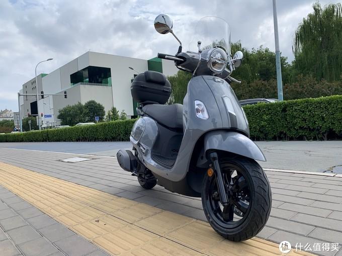 放弃铃木DL250,入坑飞度4小踏板摩托,城市通勤周边休闲还得看它
