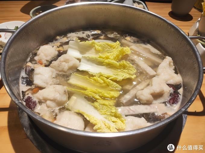 三个椰子一锅汤,嗲嗲的椰子鸡到底嗲不嗲