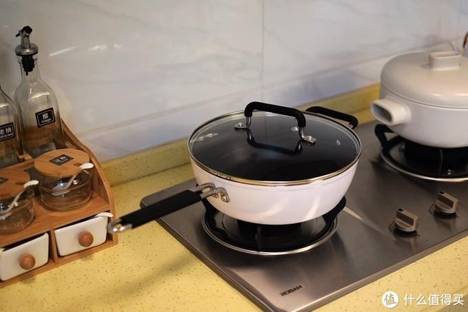 厨房好伙伴 一锅多用 知吾煮平底炒锅