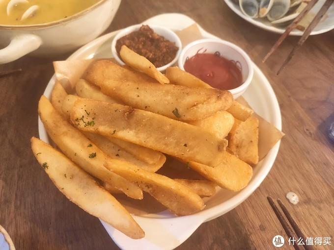 炸薯条配意式肉酱