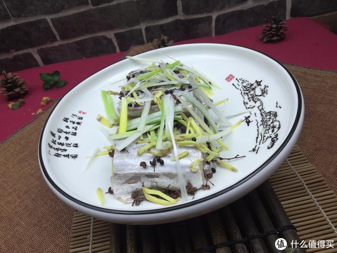 腌渍带鱼这种调料绝对不能少,否则腥味重还不入味