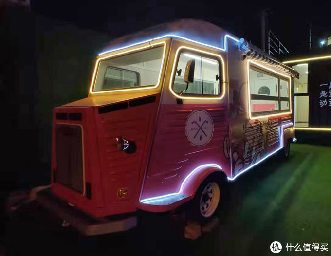 国内仿制的夜市地摊车