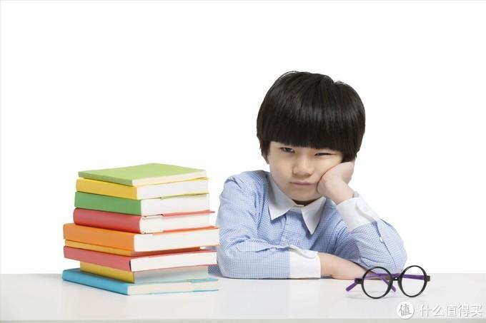 给孩子创造一个舒适的用眼环境—飞利浦轩坦护眼台灯测评体验