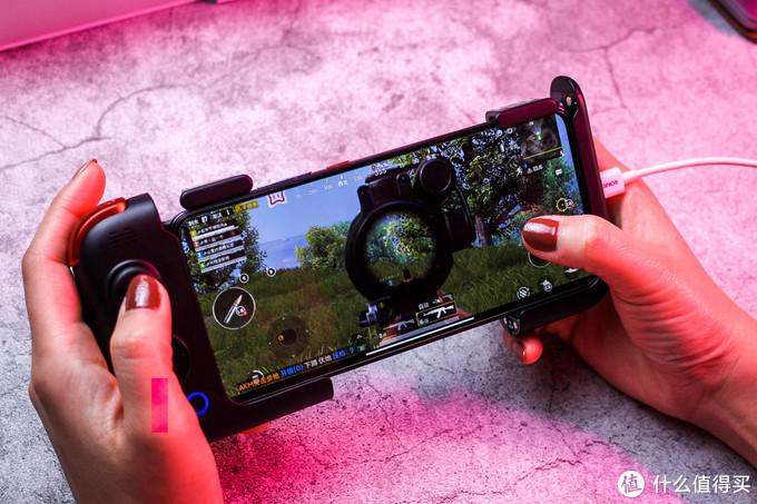 北通G2游戏手柄让手机游戏体验升级