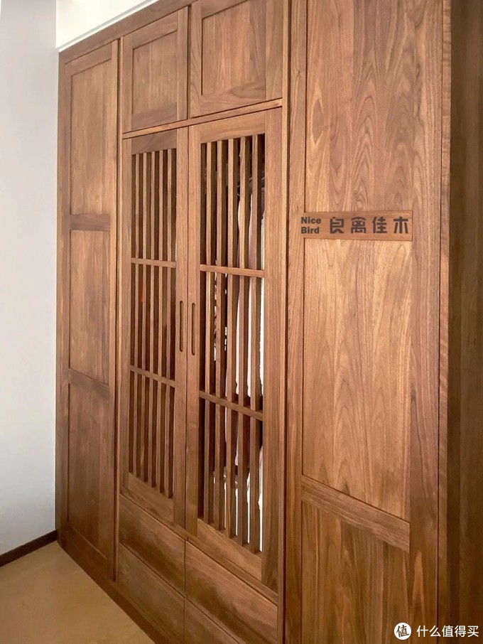 衣柜如何设计才能既实用又美观?