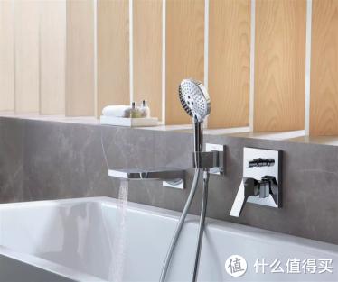 你家会这样装浴室花洒吗