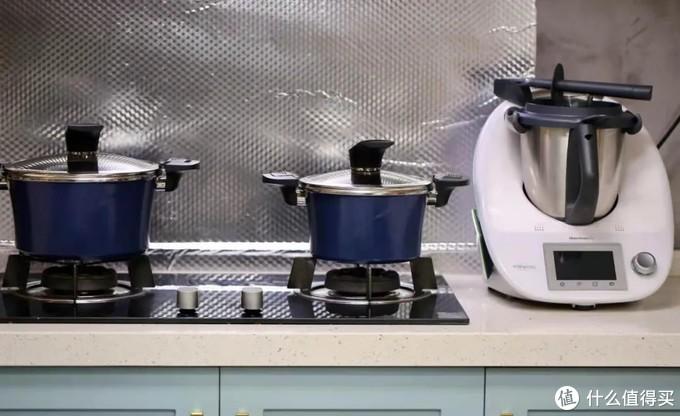 不挑炉灶——燃气灶、电磁炉、电陶炉以及热敏感炉通用无碍。