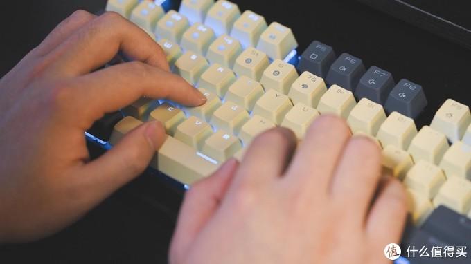 第一次买机械键盘,颜值放首位