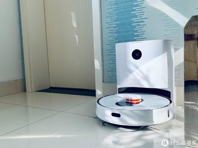 扫地机器人只能扫地?一机搞定扫+拖+集尘,30天不用倒尘盒